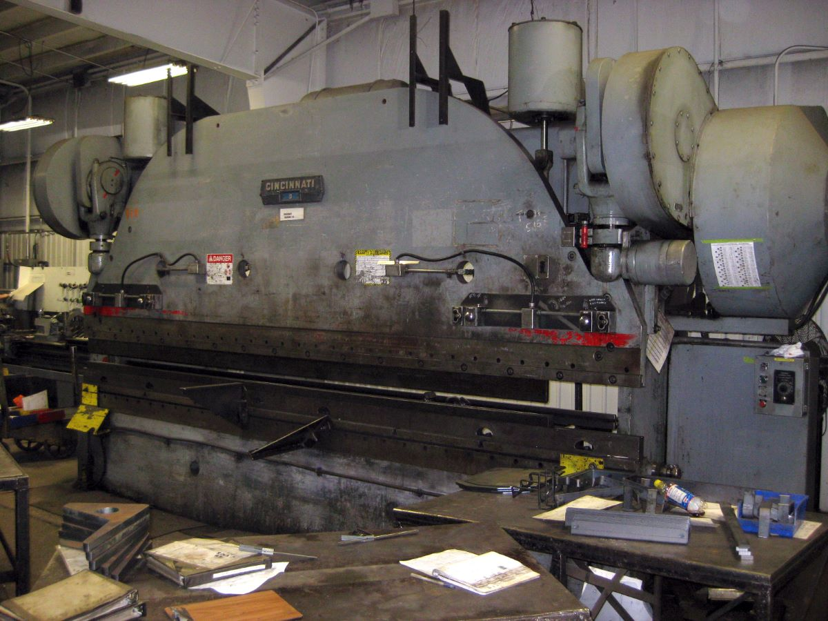 225 Ton Mechanical Press Brake Cincinnati Model 9